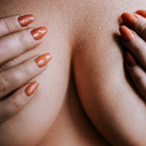 10 Effective Ways To Firm Sagging Breasts