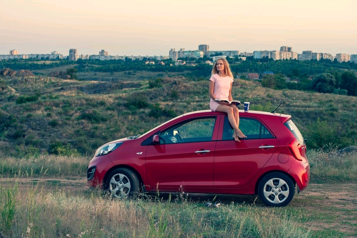 10 Things Every Woman Needs In Her Car