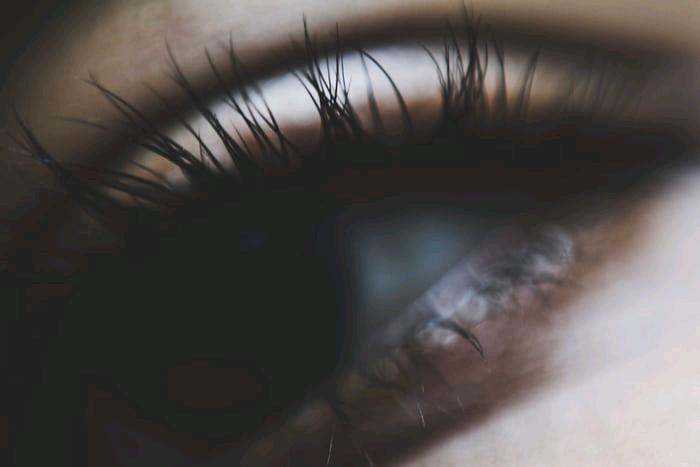 How To Grow Fuller, Longer Natural Eyelashes